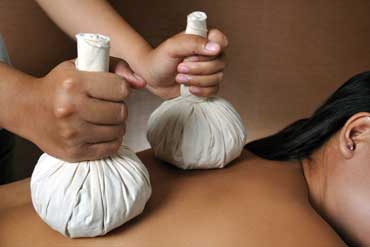Rumah Spa Bali - Thai Herbal Heat Revival Massage